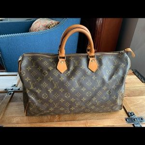 Louis Vuitton Speedy 40 Handbag